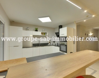 Sale House 6 rooms 121m² Livron-sur-Drôme (26250) - photo
