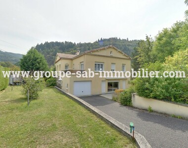 Sale House 8 rooms 207m² Le Cheylard (07160) - photo