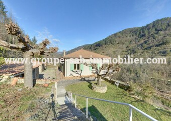 Sale House 7 rooms 175m² Saint-Sauveur-de-Montagut (07190) - photo